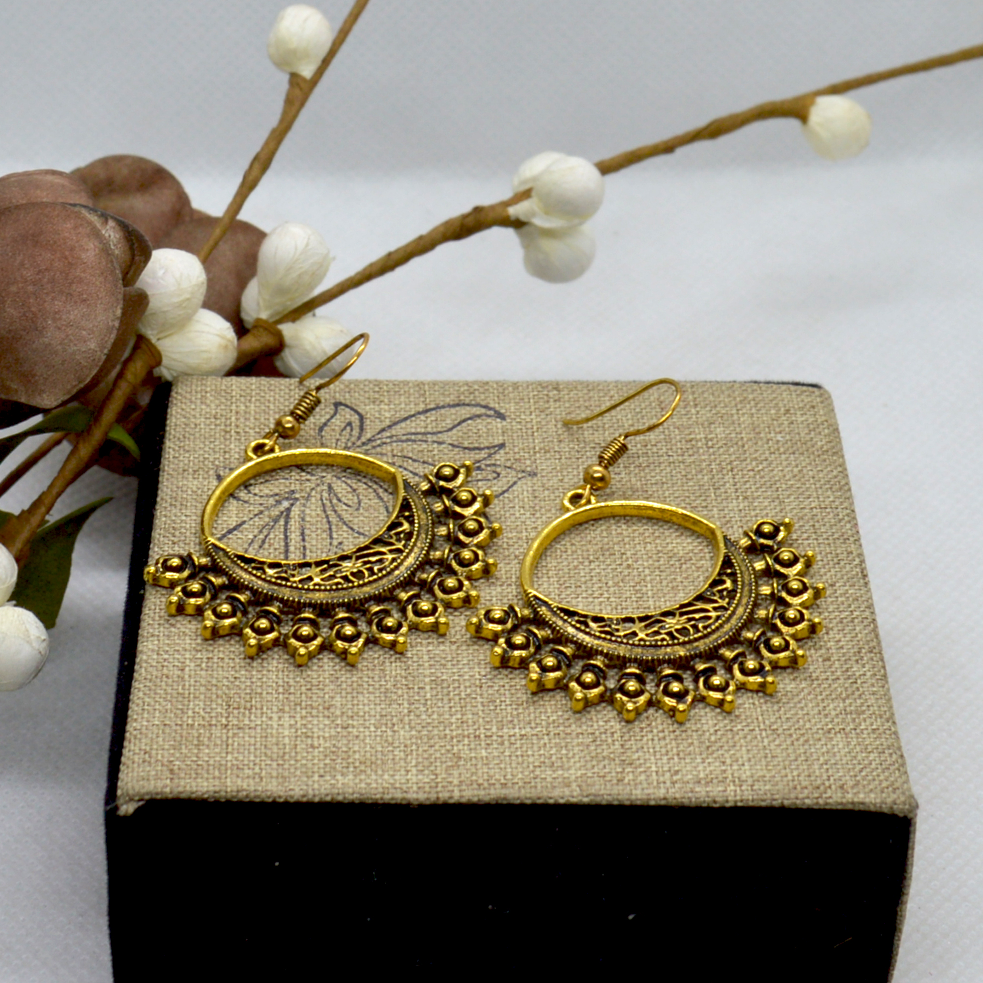 Golden Chandbali Designed Cut ...