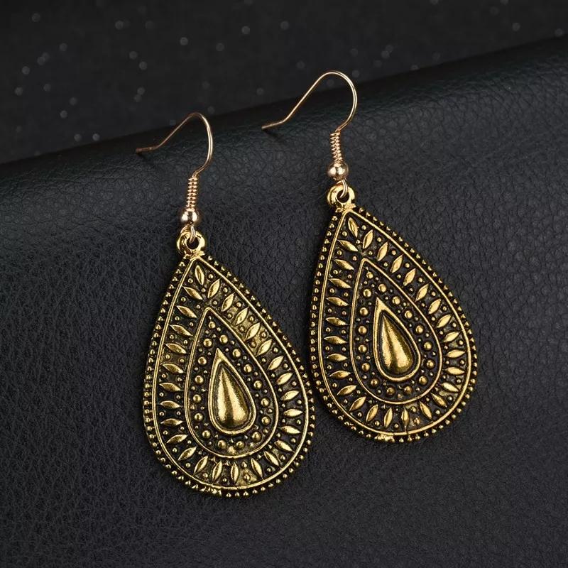 Golden/Silver Leaf Designed Dr...