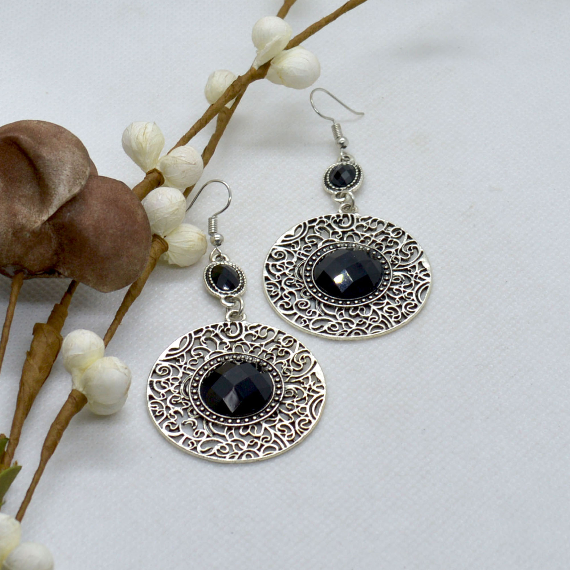 Silver/Black Circular Drop Sto...
