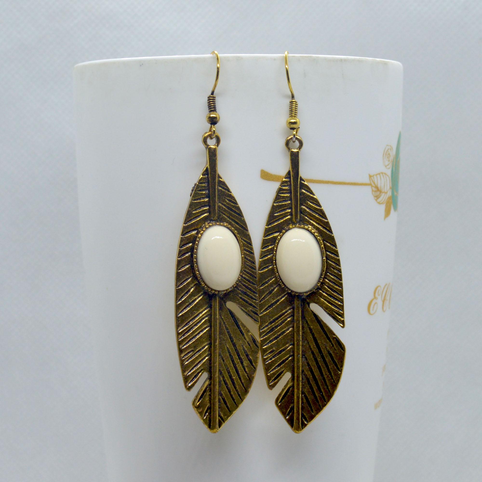 Golden/White Stoned Leaf Desig...