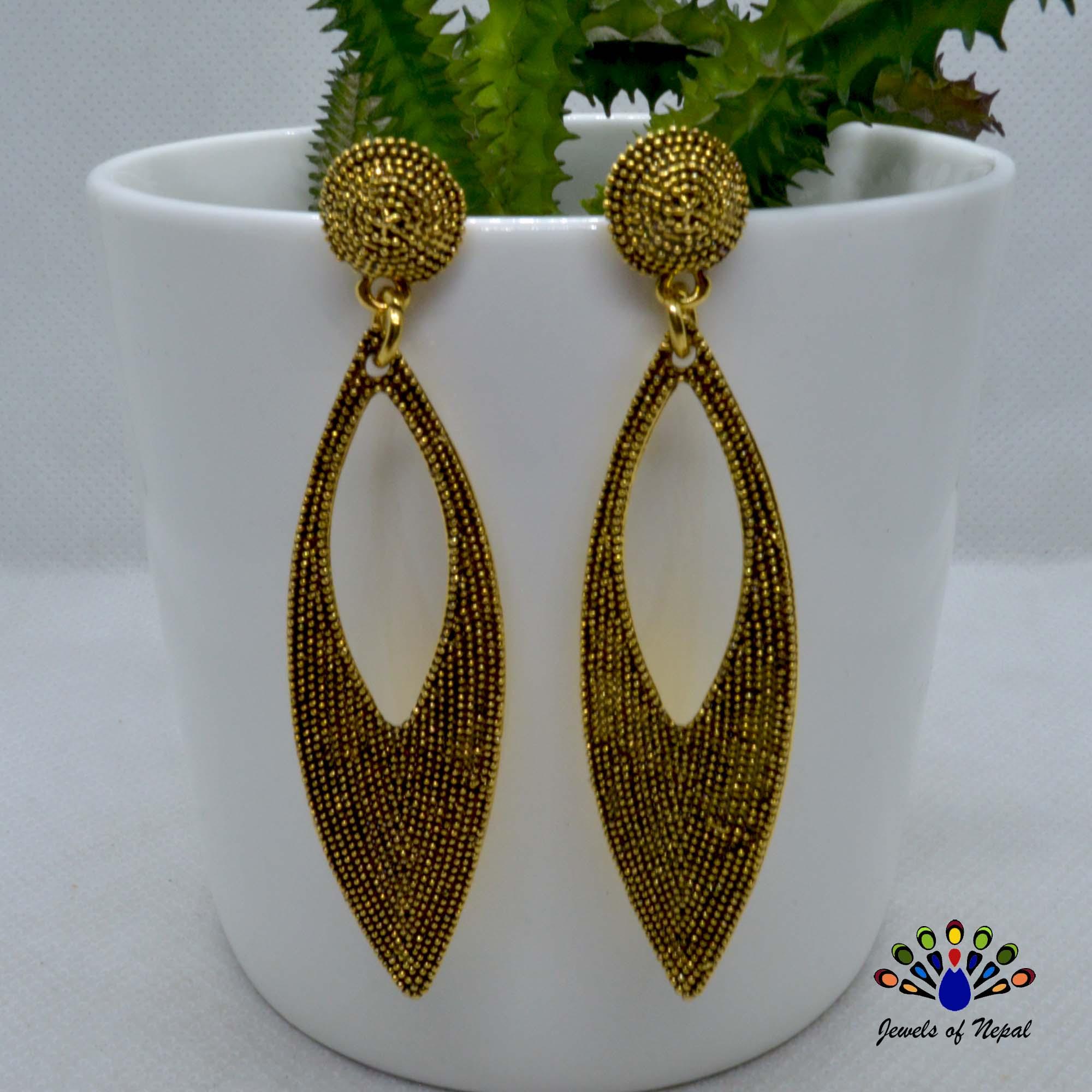 Antique Gold Toned Leaf Design...